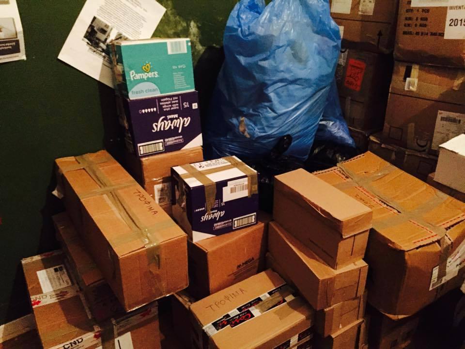 Συλλογή τροφίμων/ ρούχων/ φαρμάκων για τους πρόσφυγες